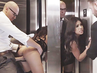 Sneaky GF cheating take her big-dicked boss in an elevator