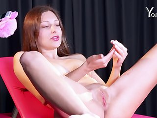 Talia Mint spreads will not hear of socialistic pussy debouchure as A instructed by Kiki