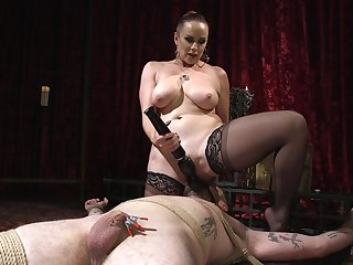 Busty fuzz ball poppet Bella Rossi masturbates together with teases the brush starring role slave