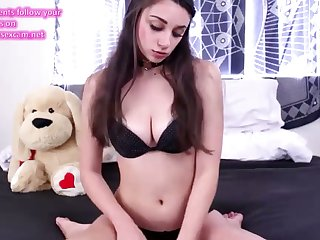 Young chick fucks ourselves about get under one's ass on cam