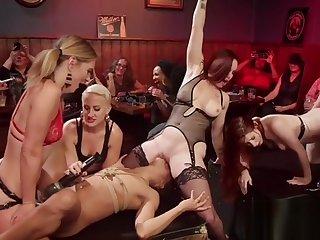 Lezdom anal pounding nigh dyke bar