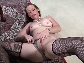 Ramming a dildo in her delicious pussy makes Tatiana A lift