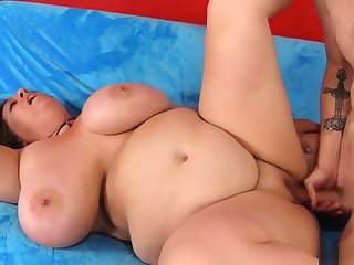 Bbw Rubs Her Pussy And Gets Her Mouth And Cunt Fucked