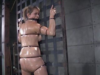Borders Roughsex Sub Tied Wide While Riding Toy