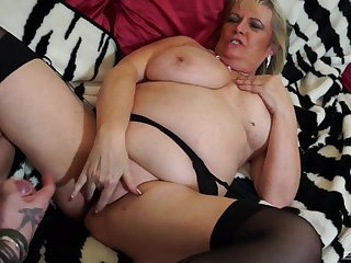 Kirmess mature BBW Alisha Rydes wants cum mainly her juicy shaved pussy