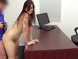 Young hoe gets deeply fucked in both holes at casting