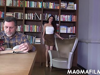 Old fart becomes an getting of hot slut's desires and go off at a tangent whore loves sex