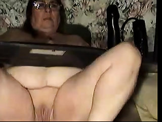 Granny webcam relaxation (2)