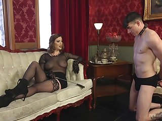 Sex-starved mistress Cherry Torn is making out submissive  guy and enjoys face sitting