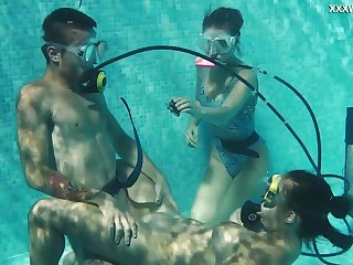 Diving instructor fucks nice babe in scuba Lizzy under be transferred to water