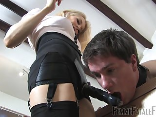 Mistress Eleise de Lacy humiliates her male slave and peggs him