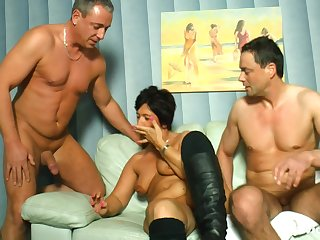 Mature amateur wife loves to fellow-feeling a amour with husband's lover