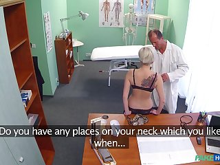 Hardcore fucking between amateur Petra with an increment of a naughty doctor