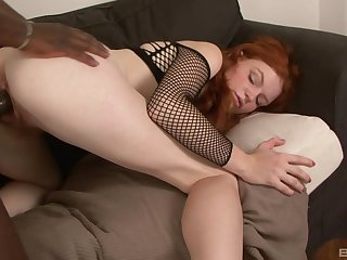 Redhead Barbara Babeurre's operate of prurient convocation with a threatening stud