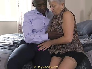 Giant Mamma Grandma With A Cock-Squeezing Labia