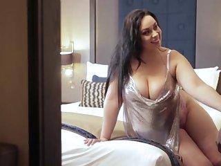 Anastasia Lux non-military cumshot